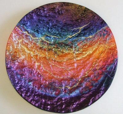 Hawai'i Lava Platter, Round, by Marian Fieldson. Lava flow-molded glass art with 22K gold accents handmade on Hawaii.