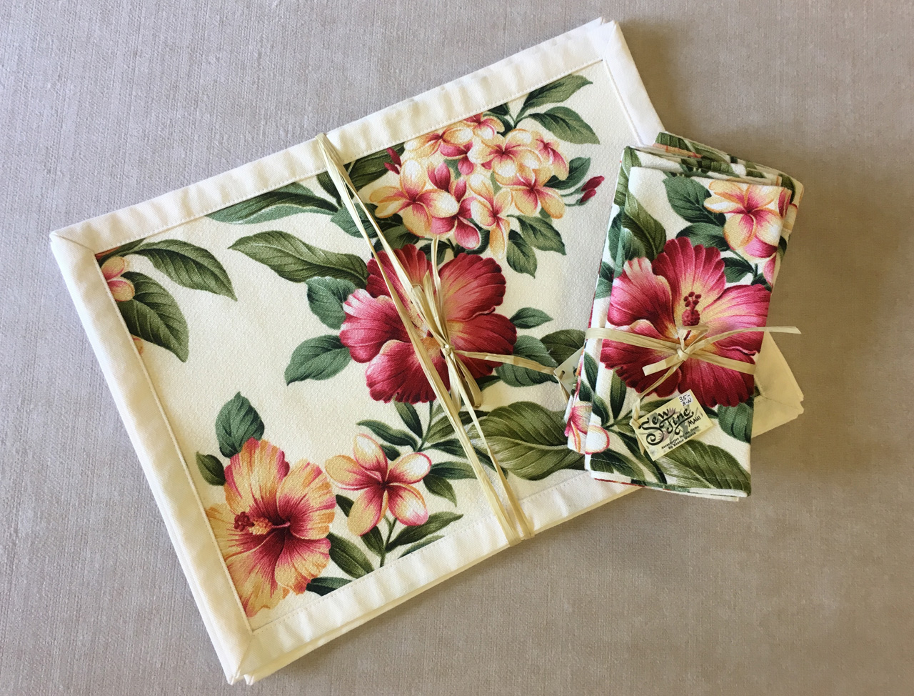 Tropical Placemat set by Bonnie Warren