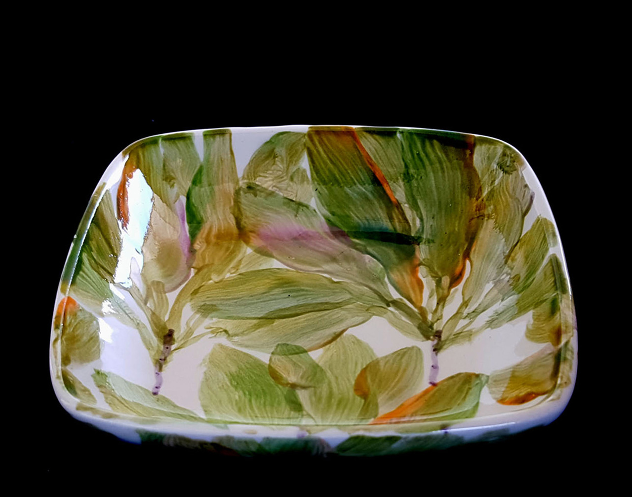 square ceramic dish with Ti leaves painted on