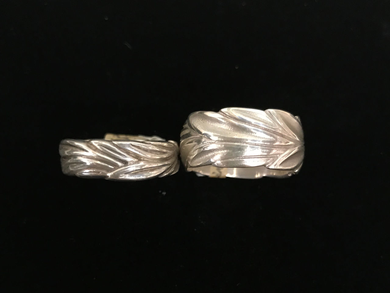 sterling silver maile leaf rings. Thin and wide