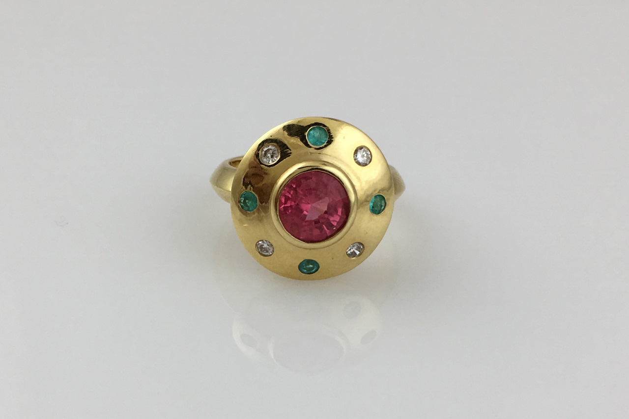 18K Ring 1/18ct Spinel and .13ct Paraiba Tourmaline