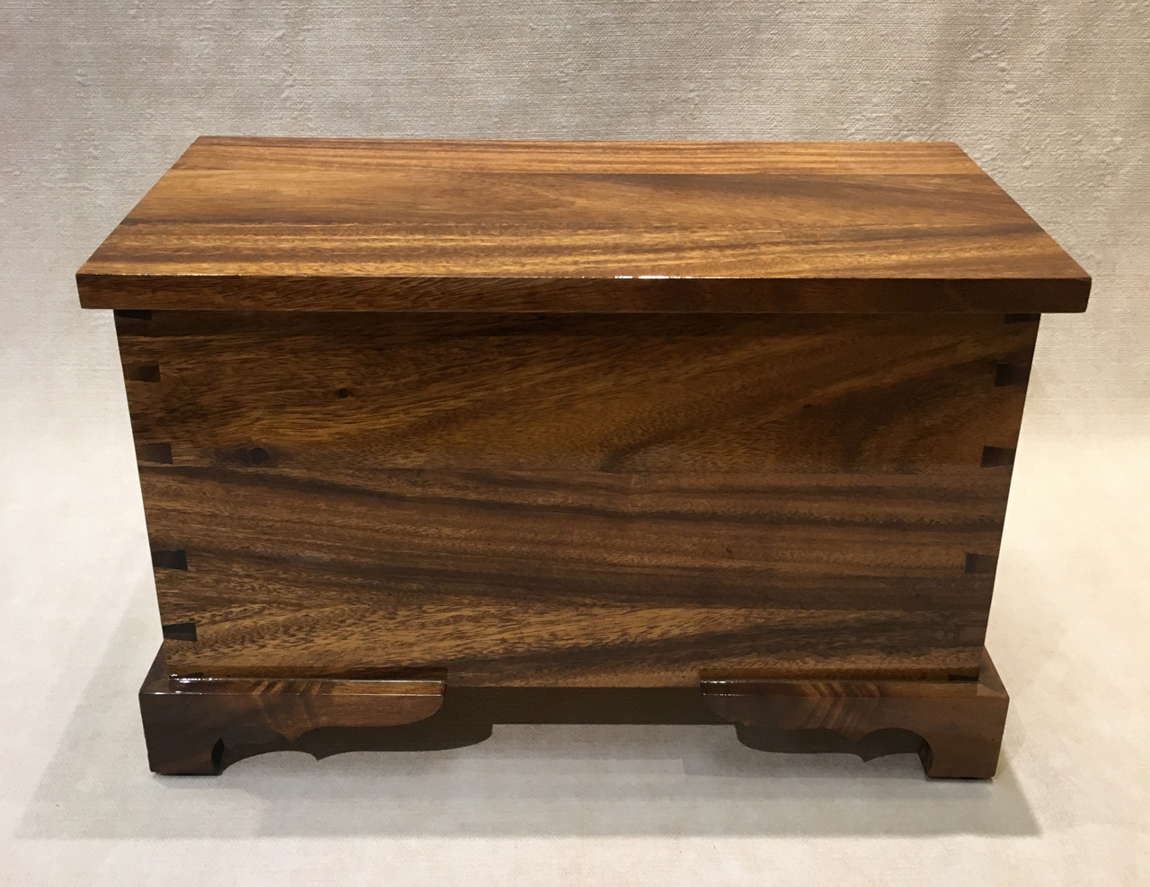 Small Wooden Chest in Rain Tree with hinged lid by Keoni Woo