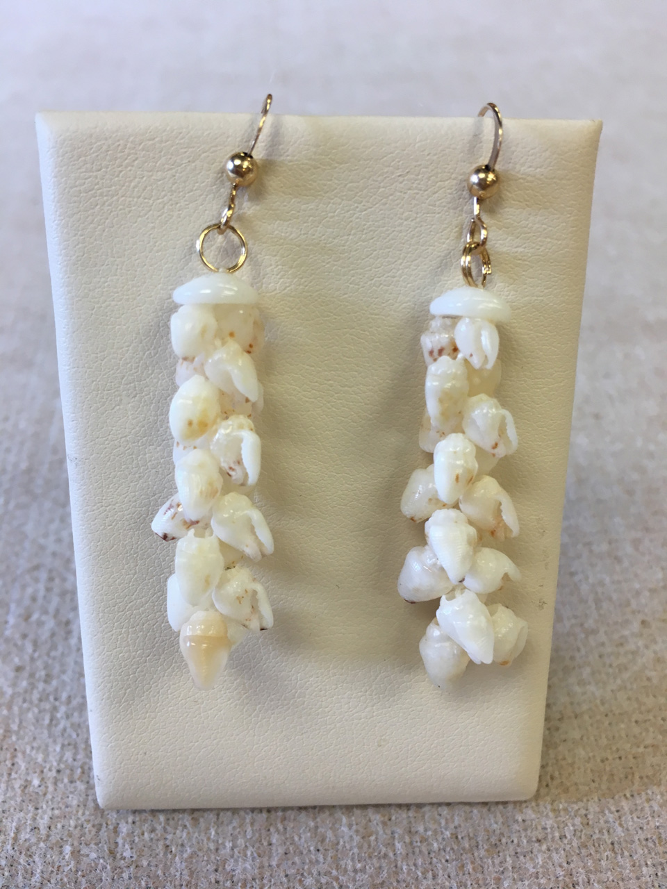 Niihau Niʻihau Momi Keʻokeʻo Earrings