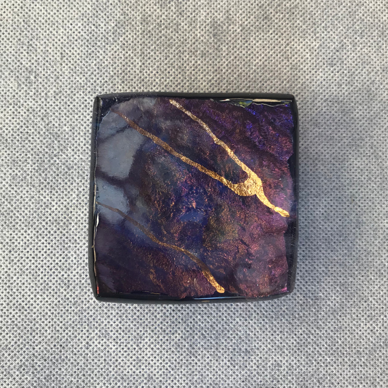 Hawai'i Lava Ring Tray by Marian Fieldson. Lava flow-molded functional glass art with 22K gold accents handmade on Hawai'i.