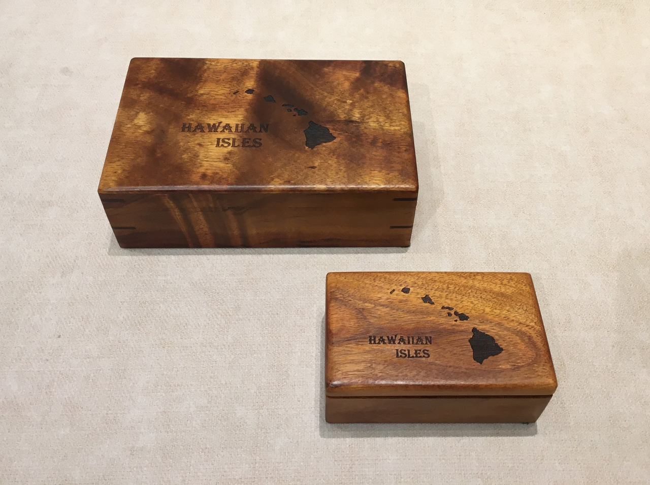 Un-hinged Hawaiin Islands Engraved Box