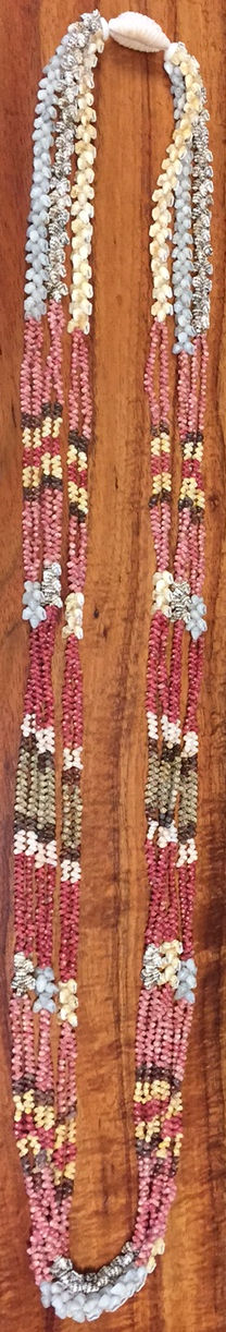 Poepoe Wili Lei with Momi Accents