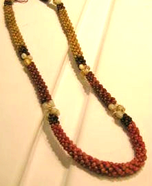 Poepoe Lei with Momi Accents