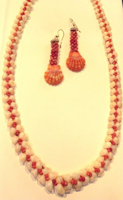 Heleconia Lei and Poepoe Earings with Sunrise