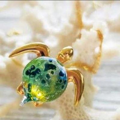 """""""Kalele"""" Sea Turtle Pendant by Amy WakingWolf"""